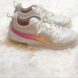 Nike Air Max Axis Sneakers 8.5 White Pink